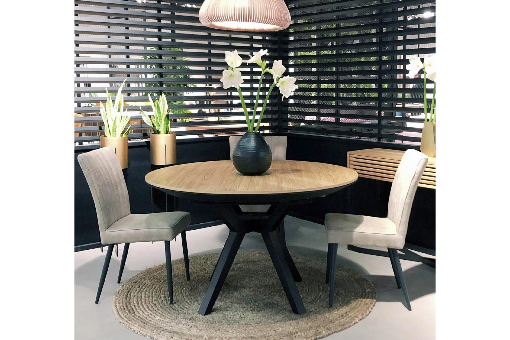 table ronde en chene et pieds croises bois d120 brighton