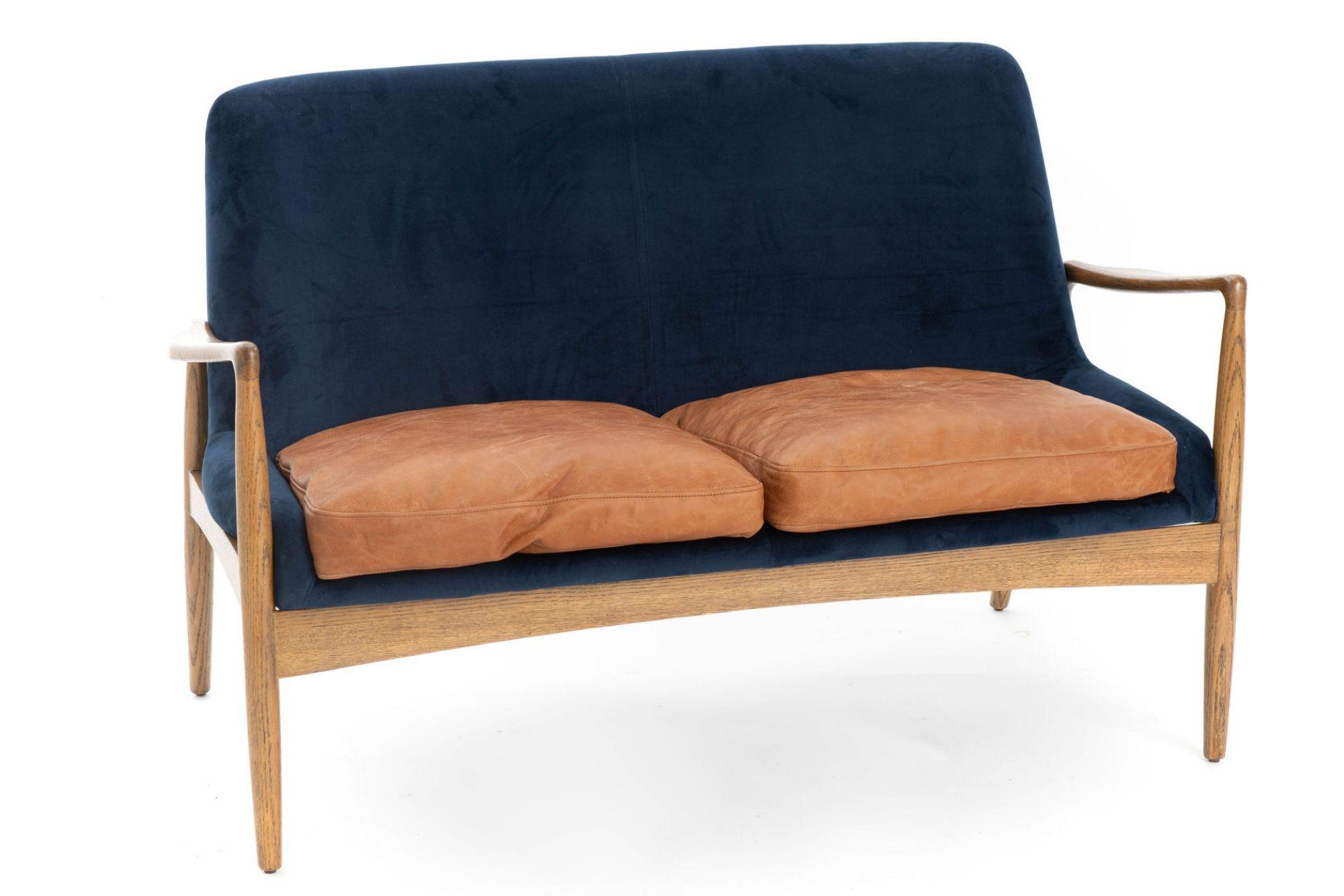 canapé deux places vintage en velours, cuir et bois